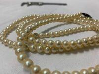 真珠の詳細は画像で分かりますか? アコヤ真珠とか?わかる様でしたら 教えてくださいm(_ _)m よろしくお願い致します。