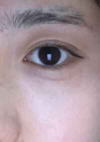 眉毛なんですけど目と眉毛の間ってこのくらいで丁度いいですか?あと、眉毛を剃ったら上がぶつぶつになっちゃって不自然でした。眉上は剃らない方がいいって言われたんですがそうなんですか? 上より下を剃った方がいいんすか、