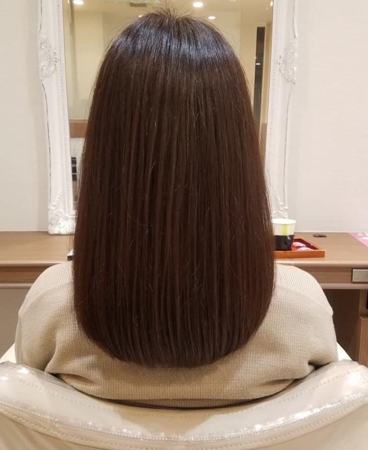 ①今髪の毛が写真くらいの長さなのですが、腰まで伸びるのにどれくらいかかりますか? ②髪の毛が腰まである人は不潔そうに見えますか?どんな印象ですか? (写真は拾い画ですが、髪色は染めてなくてこれよ...