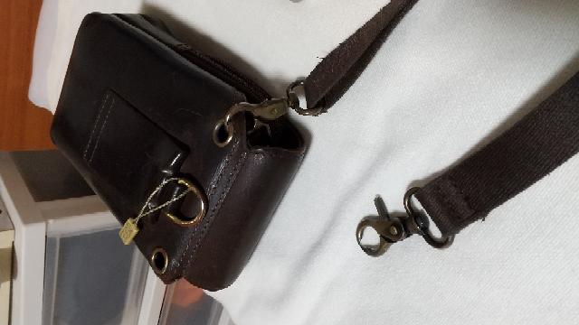 バッグの肩かけベルトが、摩耗して破損しました❗️ ヤフーオークションで、どんなカテゴリーで探せば良いですか?