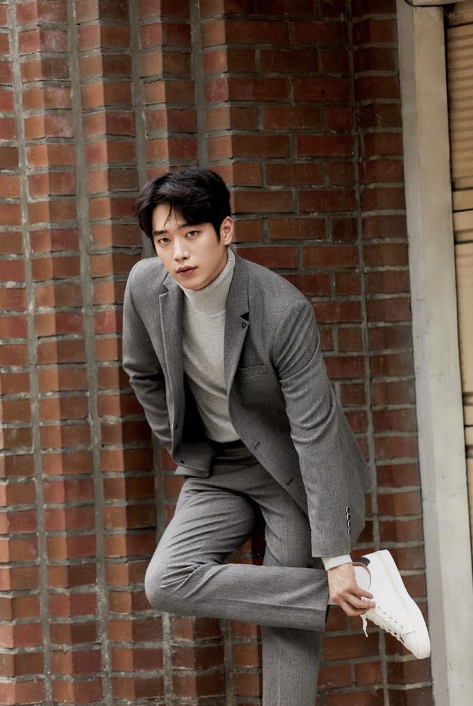 韓国の俳優さんみたいなのですが、この方の名前を教えて下さい。