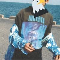 雑誌の名前について教えてください  SixTONESの松村北斗くんのこういう感じの写真が載ってる雑誌がわかる方いますかㅠ_ㅠ 海を背景にした北斗くんって感じですㅠ_ㅠ