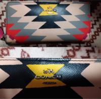 コーチの財布52777(型番)をメルカリで買ったのですが本物かどうかがわかりません。 ファスナーにYKKの表記と財布の中に型番の表記などはありましたが、縫い目が1インチ(2.5センチ) に12目という決まりがある...