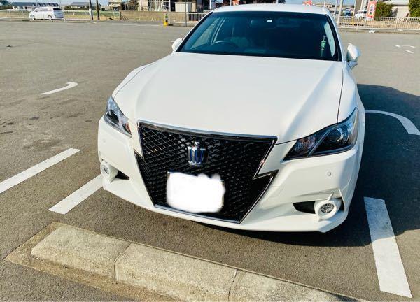 この写真と同じ車に乗ってる人に質問なんですが、維持費はどれくらい掛かってますか?