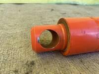 こういうタイプの油圧シリンダーのオイルシールはどうやって交換するのですか?