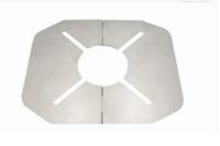 【キャンプ】SOTOのシングルバーナー(ST310)用の遮熱版ですが、これって必要なんですか? 標準で付いている遮熱版では性能不足なのでしょうか? CB缶全体を覆うテーブルにもなる遮熱版ならまだわかりますが、添付画像のような遮熱版をわざわざ別で付ける意味はあるのでしょうか?