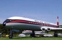 最近のジェットエンジンは巨大化してますね。特にB -777ともなると、3発機だったDC-10程の機体を双発機にした理由もありますが、エンジンの直径がB-737の胴体に匹敵する太さです。でも昔のジェットエンジンは直径...