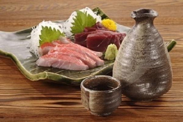 今日の酒の肴は何ですか? 私は熱燗と金目鯛のお造りです
