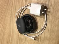 AnkerのSoundcore Liberty 2Proというワイヤレスイヤホンを、iPad Airの充電器で充電しても大丈夫でしょうか? USB Type-Cの規格です。20Wはかなりの出力だと思うのですが、どうなのでしょうか?