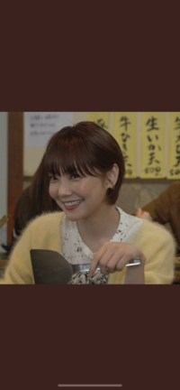 ドラマ、オーマイボス第5話で倉科カナさんが着用していた黄色のカーディガンがとても可愛くて気になったので調べたのですが、 いくら調べてもブランド名が分かりません( ;ᵕ; ) 既に販売していないのでしょうか...