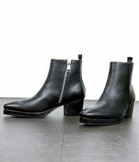 ヒールブーツについて プラットフォーム2cmのヒール6.5cmということは、合計で8.5cm身長が盛れるということですか?  ファッション シューズ スニーカー ブーツ