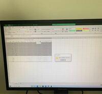 PCド初心者です、助けてください。 Excelの文章作成をしているのですが、並び替えができません。何度やっても写真のようになります。  どうすれば並び替えできるようになりますか?