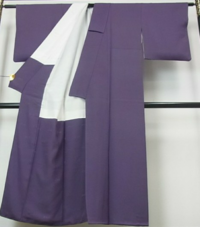 子供の卒業式入学式に着物で参加したいと思っております。 写真の着物が気に入っているのですが、帯などの装飾品はどういったものが合うでしょうか?色味や柄(式典向き)など、アドバイスいただきたいです。 私は4...
