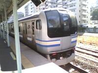 JR東日本 で 横須賀線 の 久里浜行き を増やして欲しいですか?  後、どう思いますか? 横須賀線 の殆どは 横須賀 へ行かないので気になりました。 個人的に少しでも 久里浜 へ直通しても良いと思います。 新...