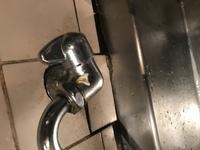 水道の蛇口の部品について質問します。前から少し不具合があったのですが、ついに所定の位置で水が止まらなくなりました。。 ひねる部分の部品だけ販売しているのでしょうか?