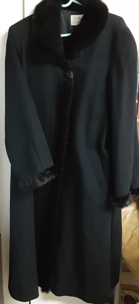 オークションで売るといくらになるかわかる方いましたら、教えてください! タグ Mure Mサイズ 毛皮(ミンク) 日本製 (株)ベストモード 表地 カシミヤ100% 裏地 キュプラ100% C...