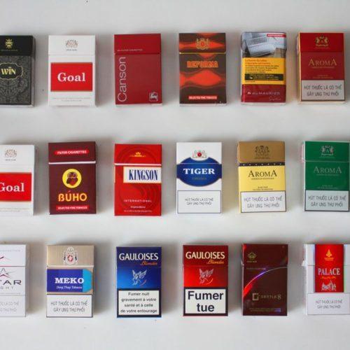 日本のたばこは美味しいのですか? タイなどより。 何年も前に母とタイへ旅行に行きました、母けっこうタバコを吸うので日本のたばこを1カートンか2カートンくらいほど持って行っていましたね。 その際...