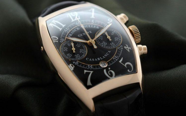 フランクミュラーに詳しい方に質問です。 この画像に写ってる時計の名前と品番を教えてください。 よろしくお願い致します。