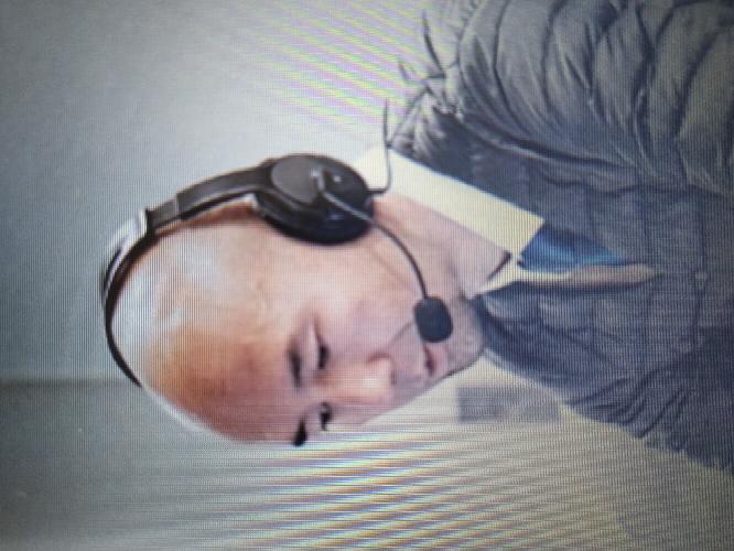 【画像あり】このヘッドフォンマイクはどこのメーカーの製品ですか?