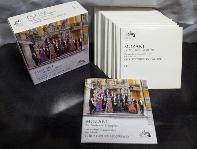 クラカテの帝王であるサムです。 モーツァルト交響曲全集LPがありますが、 興味がある方いますか? 写真はCDですが、LP3巻があります。 The Academy of Ancient Music...