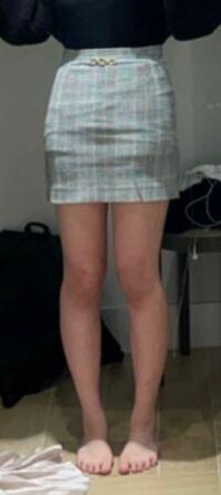 この足の太さでミニスカートを履くのはヤバいですか?