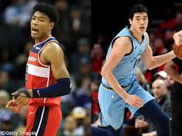 日本のTVのニュースは、なぜ八村塁と渡辺雄太ばかり映すのですか??? まるで「NBAには彼らしかいない」かの様・・・。 この2人ばっかしでウザく無いですか? 日本人ばっかり映す五輪中継と同じです。