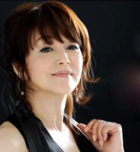 歌が上手いと思う歌手を主観で教えて 下さい! 岩崎宏美さん ちあきなおみさん 中島みゆきさん 3名まででお願い致します。