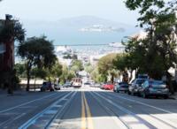 サンフランシスコって雨はほとんど降らなく年間の気温差もあまりないのですか?  住むにはどうなんでしょうか?  私がいろんな所を旅行して 一番憧れる国はオーストリア、都市はウイーンですが  観光して一番たのしい思い出が強いのがサンフランシスコなんですが。