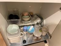 シンク下の収納を改善したいです。  食器棚は購入しておらず、シンク下に収納しています。 これを改善したいのですが、アドバイスなどいただけると幸いです。