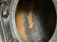 鉄瓶の中にサビがあります。使用に差し障りないので、そのまま使っても大丈夫でしょうか? お茶っ葉で煮出したりとかのお手入れしないとダメですか?