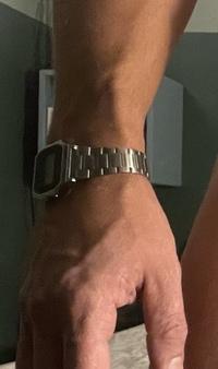腕時計のブランドについて。Nixonだと思います。どのモデルか分かる方、ぜひ教えてください。
