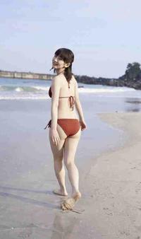 吉岡里帆さんのことスタイルいいって言っている人いるけどそう思えません。 お尻垂れていて短足だと思います。 みなさんはどう思われますか?  ※吉岡里帆さんのアンチではありません。