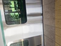 すごく近くてわかりづらいかもしれないのですが、この電車って何かわかりますか?? 京浜東北線根岸線の線路でした。