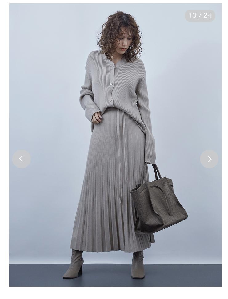 小学校卒業式に母親が持参するバッグについて。 断捨離でバッグを処分してしまい、自宅にあるもので対応しようかと思いましたが、皮革のバッグは色物しかなく。 こんなバッグは相応しくないですかね… 横を...