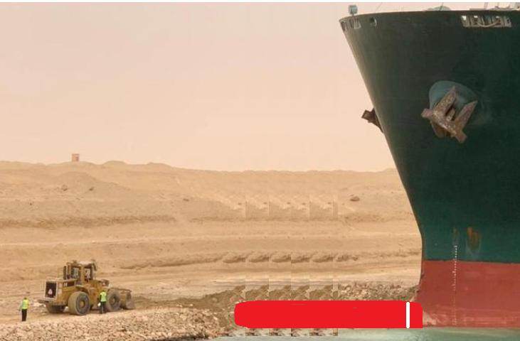 スエズ運河で座礁した日本のコンテナ船により、運河が使用できなく成った事による損害額は、 単純計...