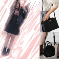 量産型に憧れている中学2年生の芋です。 写真の左側の服装に右側の2つのかばんどちらが似合うと思いますか??