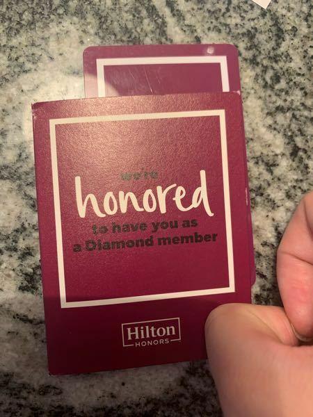 ヒルトンのカードキーのケース?はステータスごとにデザインが変わっているのですか? これです。このケースにはダイアモンドとあったので気になりました。この写真の主はダイアモンド会員です。