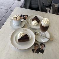 表参道などの都内に写真のようなオタ活ができるカフェを教えて頂きたいです!!  (インスタからお写真お借りしました☺︎) インスタ映え おしゃれカフェ ジャニオタ