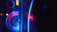 c25 セレナに乗っています。 先日からハンドル部分のセキュリティランプ(赤)がエンジンON、OFFどちらの状態でも3秒毎に6回点滅して消えません。 消し方をご存じの方いらっしゃいますか?