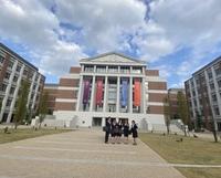 これってどこの大学ですか? おそらく都内の大学で、カ行で始まる大学です。(略してkuです。)