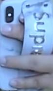 画像のようなスマホケース本体に持ち手? みたいなのが付いているようなケースをなんて言うのか知りたいです。また、この画像のようなケースの持ち手の部分が画像のようなものではなく鎖?みたいになっているものの名前も知りたいです