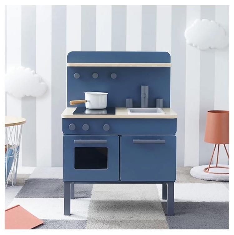LOWYA ままごとキッチンのダークブルーをどうしても手に入れたいのですが、この色は生産中止となっていて、ヤフオク、メルカリ、 ラクマ等でも見つかりません。 どこかで購入出来るところは無いでしょうか…。