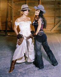 bandidas(2006)みたいな時代設定が昔の戦う女性が主役のアドベンチャー映画ってありますか?コメディ色が強いアクション映画みたいな作品です。