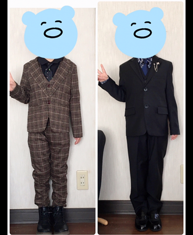 明後日息子の小学校入学式があるのですが、息子が着るスーツが決まりません… 右と左どちらのスーツが良いでしょうか? 息子に聞いてもどっちでも…と言われてしまって(´•ω•`) どちらが良いか皆...