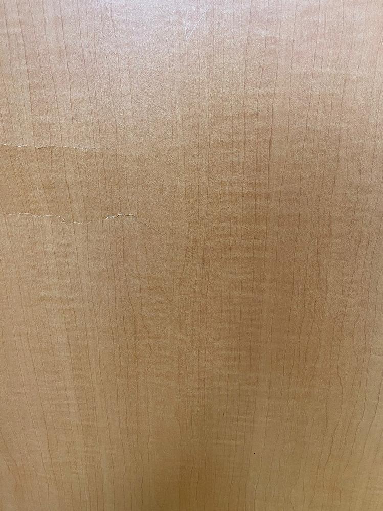 こちらの木材の名前分かる方いますでしょうか。
