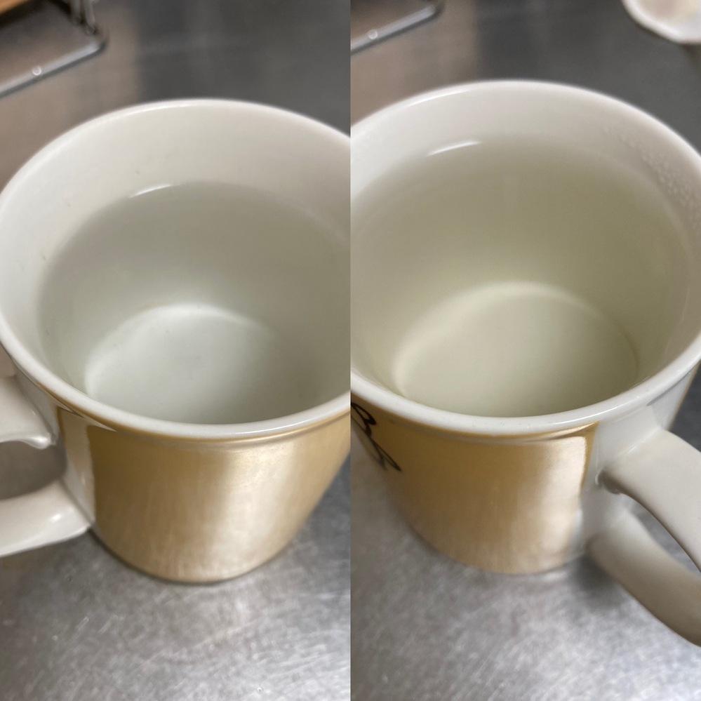 鉄瓶を購入しました。サビやすいということだったので、お水を沸かした後に空焚きして乾かしていたのですが、一回沸かしただけてま、 お湯に赤黒く色がつくようになりました。 お茶を使ったサビ抜きをしてみたのですが、右の写真のようにやはり色がつくのですが、このくらいの色は皆さんつくものなのでしょうか?