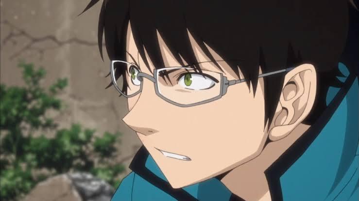 三雲修のコスプレをしようと思っているのですが修のかけているメガネで似ている物が売ってるサイトとかわかりますか? 伊達メガネで探しています。(できる限りAmazonで安めがいいです、、)