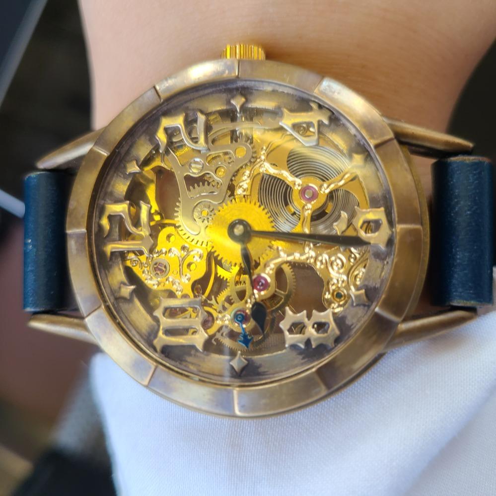この時計のメーカー名が知りたいです。 4年ほど前にソラマチで買ったみたいです。