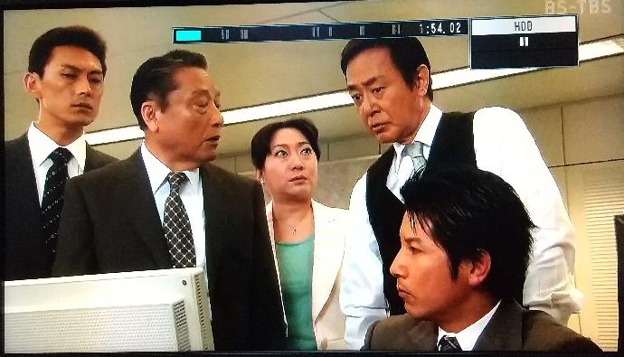 作家/山村美紗シリーズと、西村京太郎シリーズでの出演者について… 毎回と言っても宜しいのか判りませんが、必ず女優の山村紅葉さんの時に… 画像向かいの左側の男性で、 俳優の山口竜央さんが出てます。 山村紅葉さんは、配偶者ありとなられてますが… 旦那さんではないですよね?