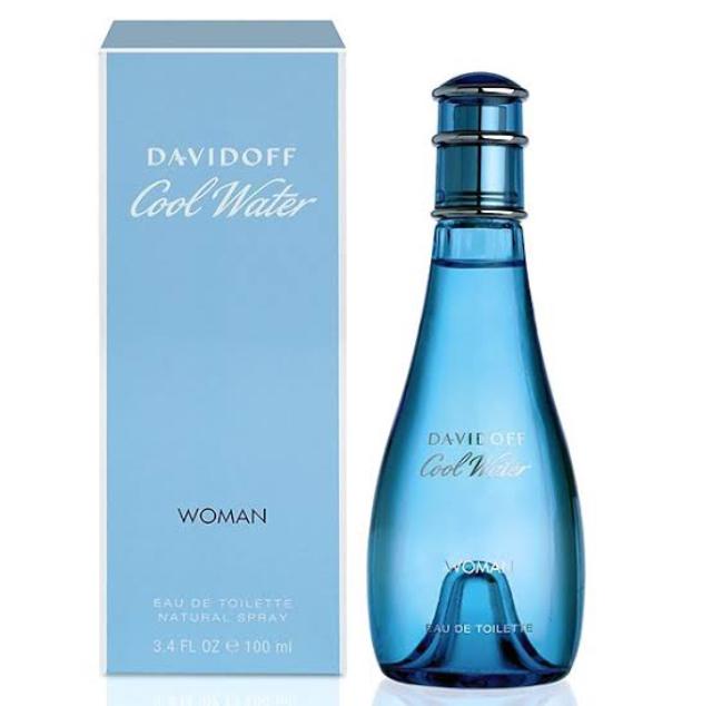 香水に詳しい方教えて下さい。 香水の中でも廉価な方の、 ダビドフ「クールウォーター・ウーマン」 という香水はどんな香りでしょうか? よくメロンの香りの様だと書いてありますがそれは本当でしょ...
